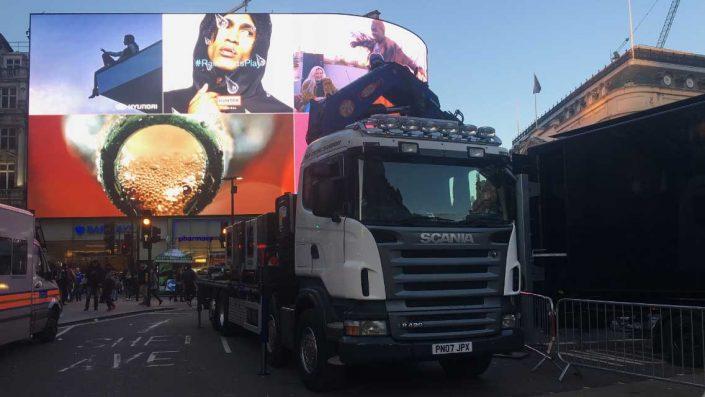 Crane lorry Picadilly